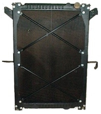 Freightliner Columbia Radiator - 3 Row fits '03 - '07