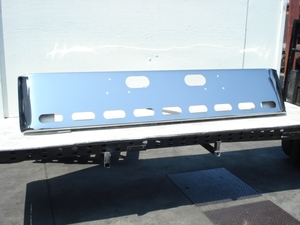 "Ford L9000, Sterling LT9511 & LT8511 bumper: chrome ""Show truck"""