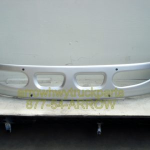 International / Navistar 8600 Bumper.Painted Large Tow Holes